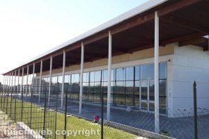 Tarquinia - La piscina comunale chiusa
