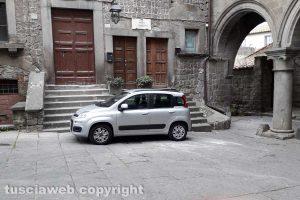 Viterbo - Sosta selvaggia in piazza San Pellegrino