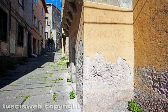 Viterbo - La guerra fredda sui muri