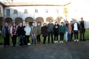 Viterbo - La musicoterapia di Eta Beta con gli alunni del liceo Santa Rosa
