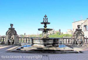 Viterbo - La fontana di piazza del Comune