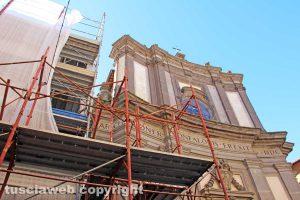 Viterbo - Iniziano le operazioni di smontaggio in via La Fontaine