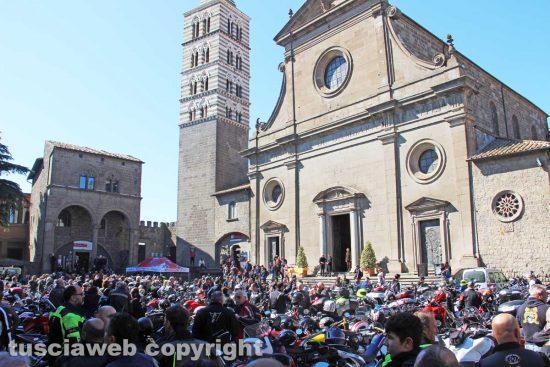 Viterbo - La motobenedizione in piazza San Lorenzo