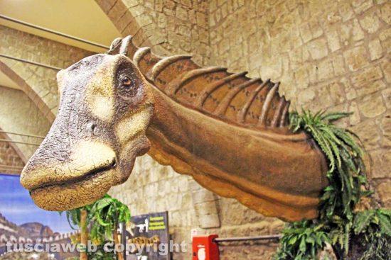 """Viterbo - L'inaugurazione della """"Terra dei giganti"""" - Un dinosauro"""