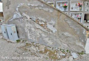 Montefiascone - Il degrado al cimitero