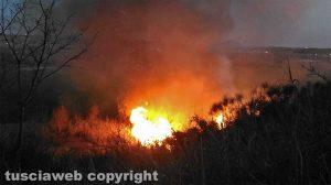 Orte - Incendio sulla ferrovia