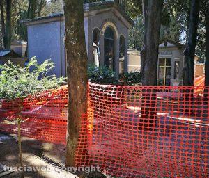 Viterbo - Recinzione al cimitero di San Lazzaro