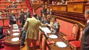 Senato - La consegna dell'elenco al ministro Toninelli