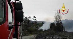 Genova - Incendio sulle alture di Cogoleto
