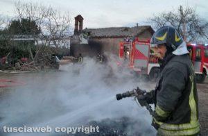 Capodimonte - Incendio alla chiesa S. Agapito