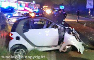 Viterbo - Incidente sulla Cassia Nord - Auto contro albero