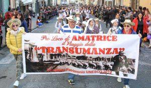 Ronciglione - Un gruppo di Amatrice sfila durante il carnevale