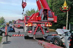 Padova - L'incidente in cui è rimasta coinvolta l'autogru dei vigili del fuoco