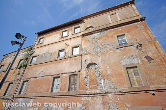 Viterbo - La facciata dell'ospedale vecchio