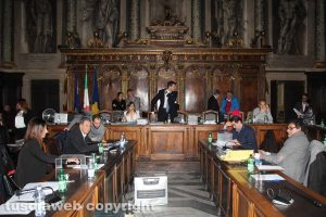 Viterbo - Consiglio comunale al buio