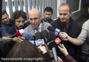 Gli avvocati Domenico Goriziglia, Valerio Mazzatosta e Giovanni Labate all'uscita dal tribunale di Viterbo