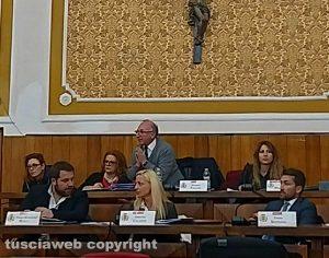 Montefiascone - Il consiglio comunale -Bagarre tra Massimo Paolini e Rosita Cicoria