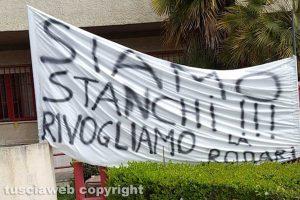 I bambini di Civita Castellana rivolgono la scuola Gianni Rodari