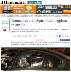 Roma - Danneggiata l'auto di Vittorio Sgarbi