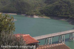 Colle di Tora - Il lago di Turano