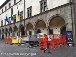 Viterbo - Il cantiere a Palazzo dei Priori