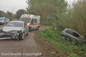 Viterbo - Scontro tra auto in strada Ponte del Diavolo,Viterbo - Scontro tra auto in strada Ponte del Diavolo, due feriti gravi.due feriti gravi.