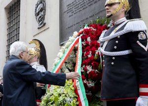 Omaggio ad Aldo Moro - Sergio Mattarella a via Caetani