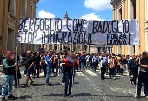 Roma - Il blitz di Forza nuova a San Pietro