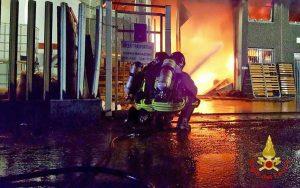 Milano - L'intervento dei vigili del fuoco
