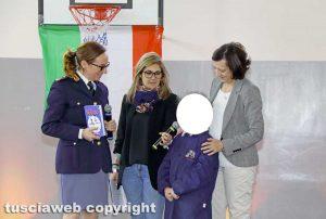 Viterbo - Consegna del diario scolastico della polizia