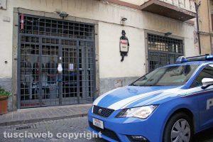 Omicidio in via San Luca - Il negozio di Norveo Fedeli sotto sequestro
