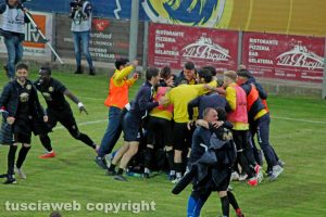 Sport - Calcio - Viterbese -L'esultanza dopo l'1-0