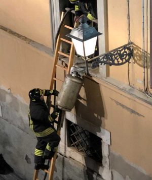 Civita Castellana - Incendio all'ex ospedale Andosilla
