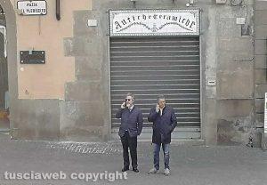 Francesco Battistoni e Giulio Marini a piazza del Comune