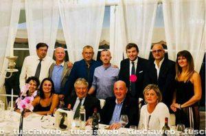 Il prefetto Giovanni Bruno alla cena per festeggiare l'inaugurazione della sede della Lega - Nella foto di gruppo anche Alessandro Giulivi