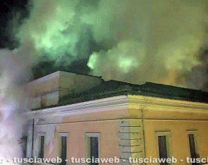 Civita Castellana - Incendio all'ex scuola annessa