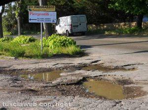 Viterbo - La strada dissestata al Poggino