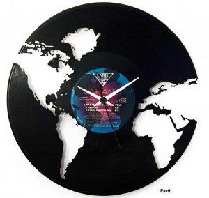 Viterbo - Gli orologi dell'azienda Vinyluse