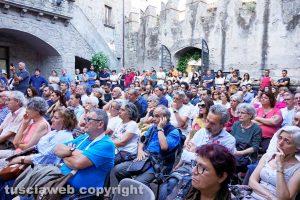 Viterbo - Festival Caffeina - L'incontro sulle nocciole
