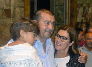 Tarquinia - Alessandro Giulivi sindaco con la moglie e il nipotino