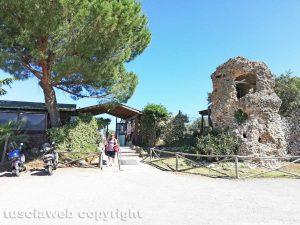 Viterbo - Terme - Le masse di San Sisto