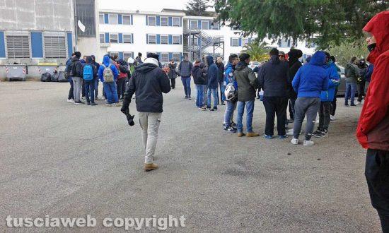 Viterbo - Studenti degli istituti superiori del Pilastro