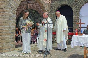 Viterbo - Claudia Koll alla comunità della Quercia