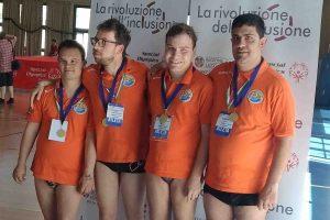Sport - Nuoto - Gli atleti di Sorrisi che nuotano