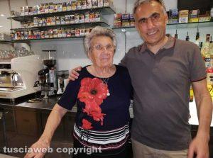 Civita Castellana - Franco Caprioli sindaco con la madre