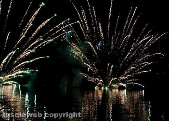 Bolsena - Fuochi d'artificio per la festa di sant'Antonio