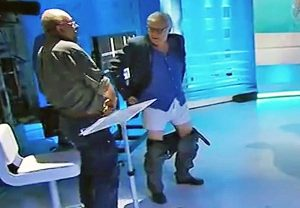 Vittorio Sgarbi e Vauro in mutande in tv
