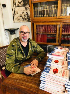 """Giovanni Ciacci col suo ultimo libro """"La Contessa"""""""