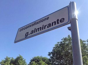 Viterbo - La targa in circonvallazione Almirante ripulita