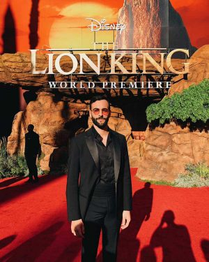 Mengoni alla prima del Re Leone al Los Angeles